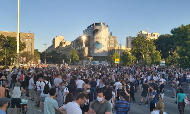 Përsëri protesta në Beograd dhe Novi Sad
