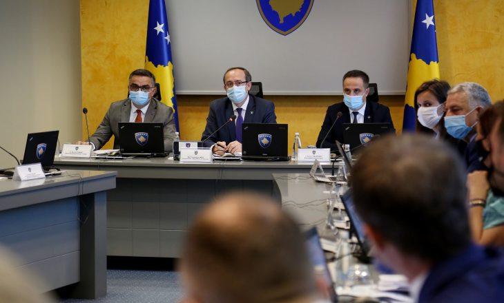 Qeveria me vendim për shtesat mujore të personelit shëndetësor gjatë përballjes me COVID-19