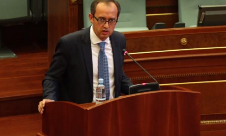 Deputetët kritikuan Hotin se nuk ka strategji për dialogun, ekip e as përmbajtje