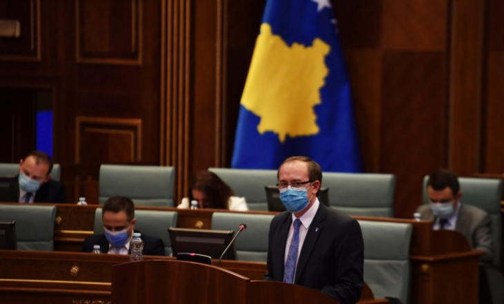 Hoti pritet të raportojë javën tjetër në Kuvend për marrëveshjen e Uashingtonit- Flasin nga PDK e VV