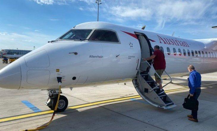 Shefi i EULEX'it e lavdëron Hotin pasi udhëtoi në Bruksel me aeroplan të klasës ekonomike