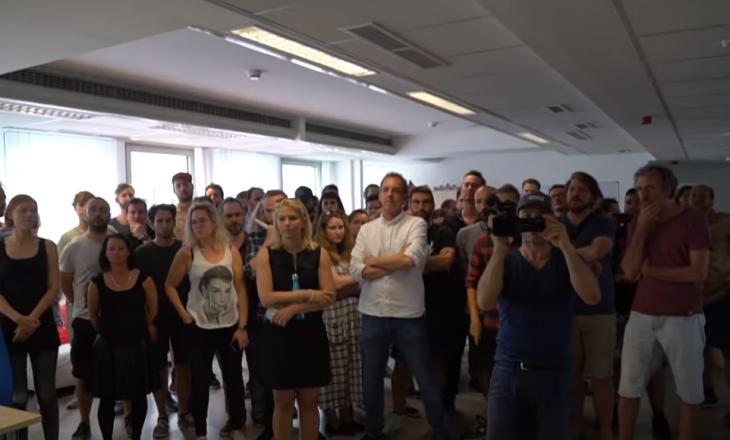 Japin dorëheqje 70 gazetarë nga portali më i madh në Hungari – shkak, ndërhyrjet politike (VIDEO)