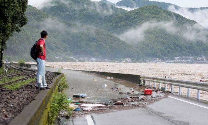 15 të vdekur nga vërshimet në Japoni
