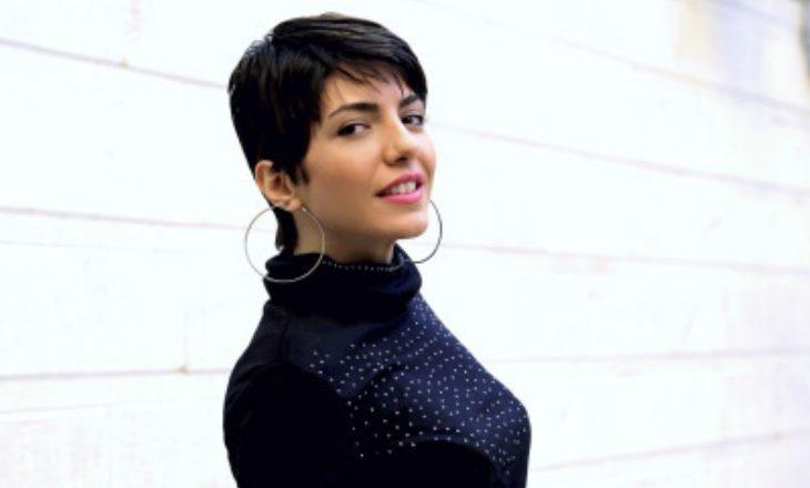 Gruaja që u detyrua të largohet prej Iranit për shkak të pasionit të saj për muzikë rep