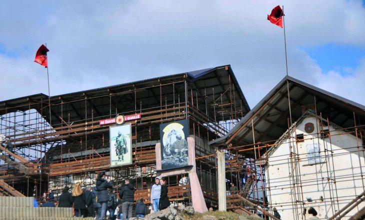 Qeveria themelon një grup për projektin e kompleksit memorial Adem Jashari