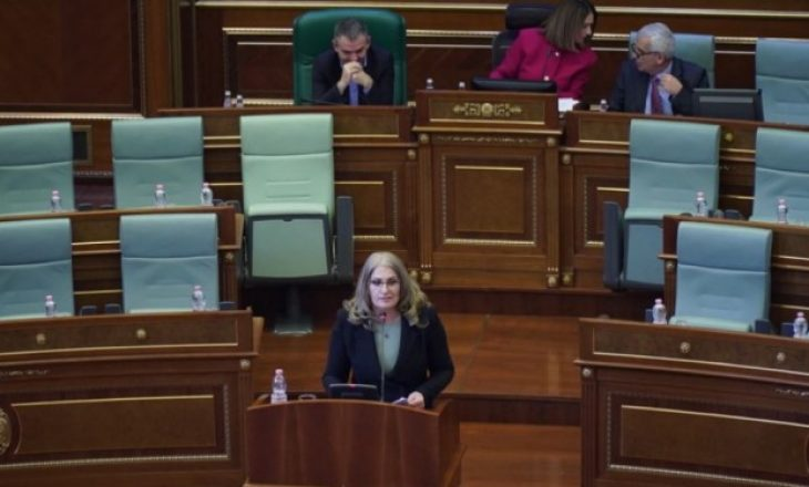"""Nagavci duke udhëhequr seancën – e quan """"kamish"""" deputetin e PDK-së"""