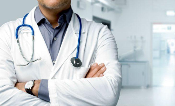 """""""Mos i sulmoni mjekët, fajin e kanë politikanët"""""""