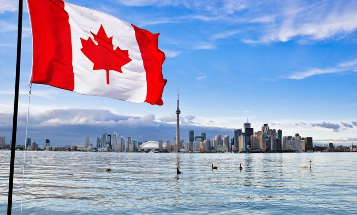 Kosovarët që jetojnë në Kanada, nuk po lejohen të udhëtojnë për në Prishtinë