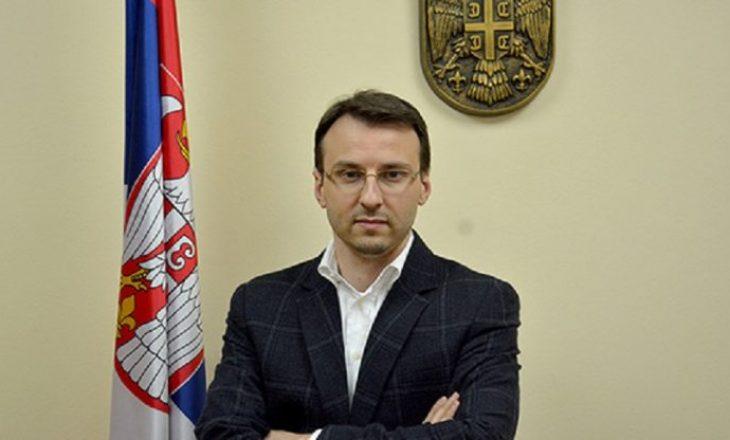 Petkoviqi i reagon Trajkoviqit: Po keqpërdor sulmin e djalit të Rashiq për përfitime politike