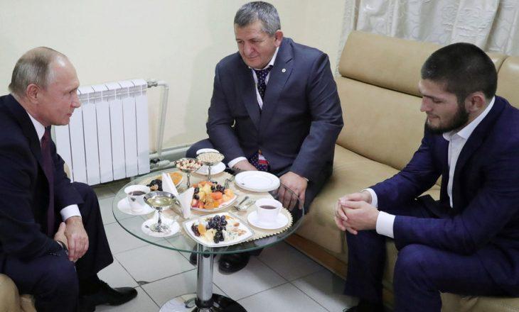 Putin e telefonon Khabib-in, e ngushëllon për babanë