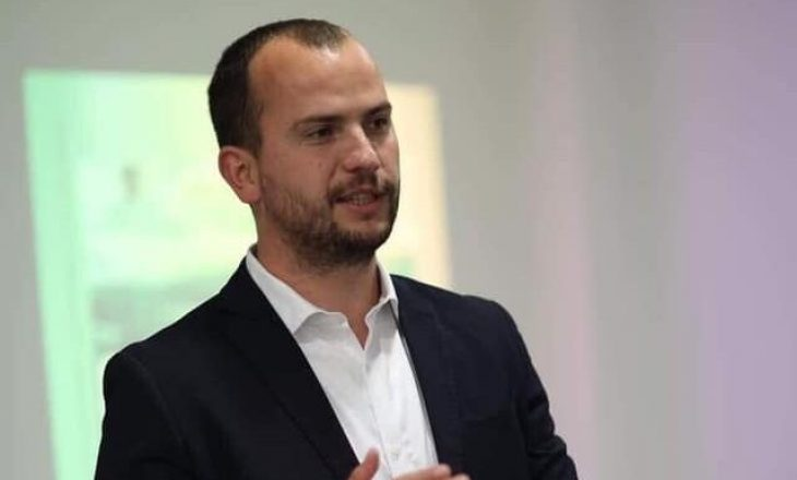 Qëndron Kastrati i tronditur për vrasjen në Kamenicë