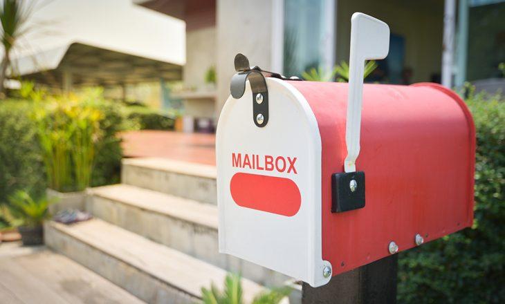 Amerikanët vazhdojnë të pranojnë paketa misterioze në kutitë e tyre postare