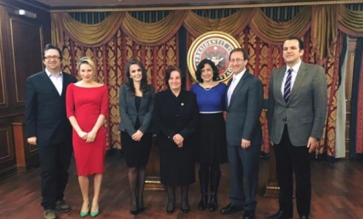 Familja e presidentit Rugova: Të bindur në pafajësinë e Thaçit dhe Veselit