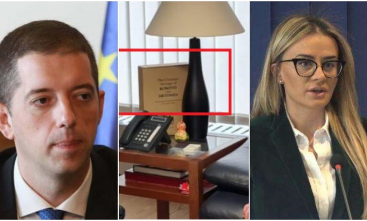 Gjuriq deklarohet rreth librit që u pa në takimin mes Varhelyit e Vuçiq – i përgjigjet ministres së jashtme të Kosovës