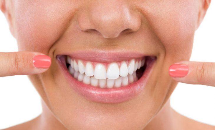 Ëndrrat në të cilat ju bien dhëmbët tregojnë për frikën tuaj të pavetëdijshme