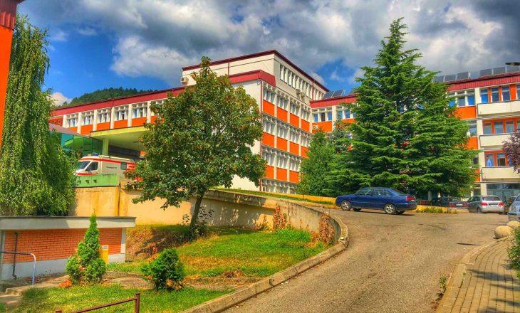 Vdesin dy paciente në spitalin e Pejës – dyshoheshin për COVID'19