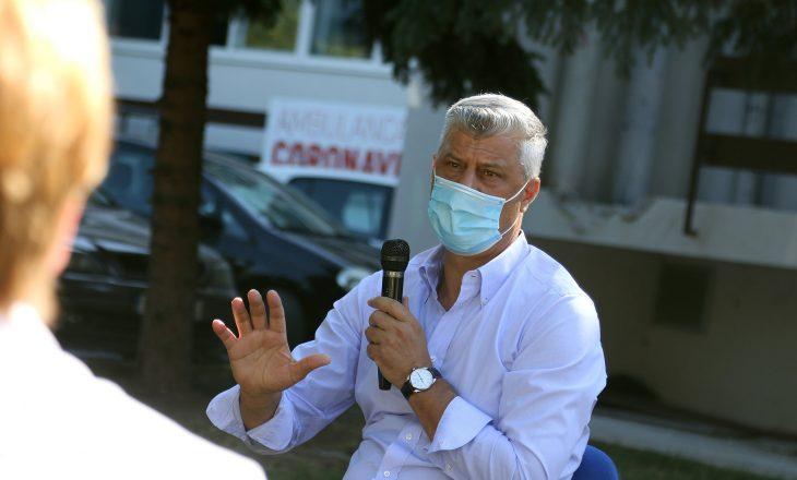 U akuzua që nuk po i respekton udhëzimet kundër COVID-19, Thaçi shihet me maskë