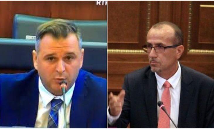 Haxhiu: Asnjë anëtar i familjes s'më punon në Telekom – Bajqinovci: Vëllain e ke kryeshef