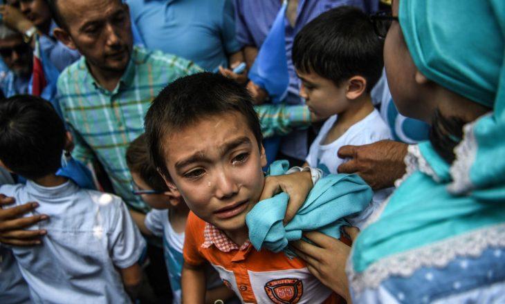 Kina po detyron pakicën myslimane për punë fizike