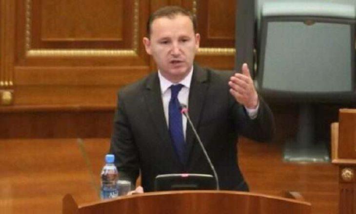 """Përplasje në Kuvend: Zemaj i thotë deputetit të VV-së """"Mos rrej"""""""