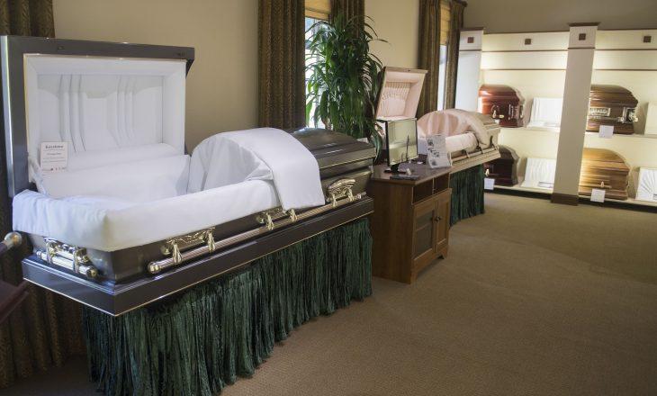 20-vjeçarja deklarohet e vdekur – shtëpia e funeraleve konfirmon se ajo ende po merr frymë