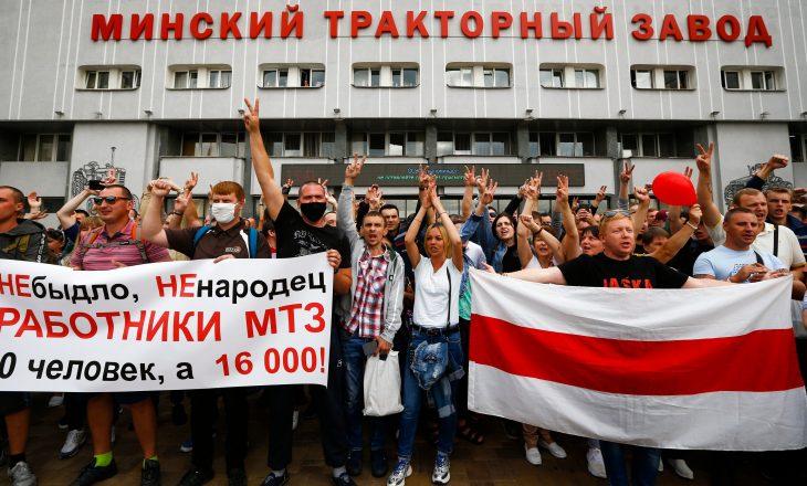 Bjellorusi: Fillojnë tubime rivale teksa protestat ende vazhdojnë