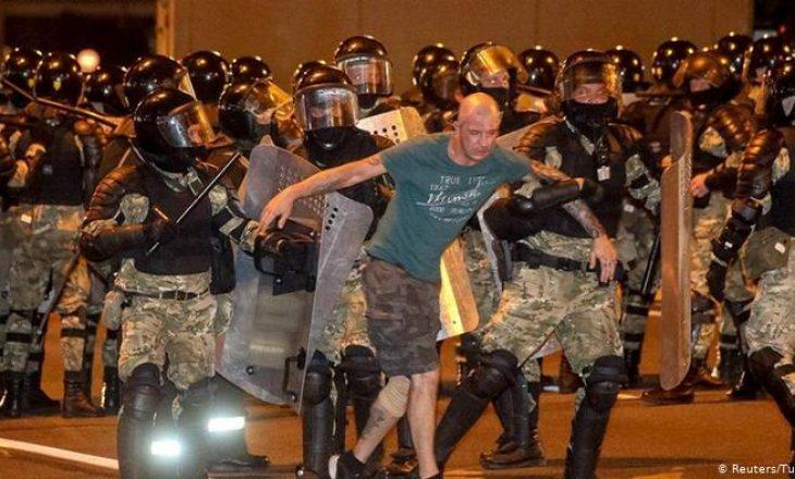 Zgjedhjet në Bjellorusi: Policia hapë zjarr ndaj protestuesve me plumba prej vërteti