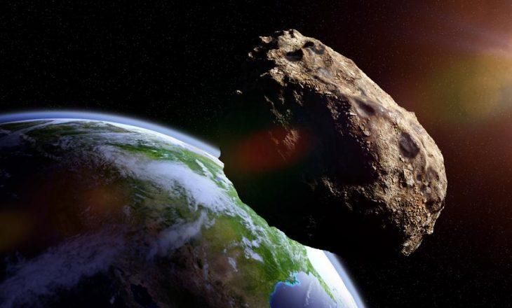 Një asteroid sa një kamionetë fluturoi 3 km afër Tokës dhe NASA nuk e vërejti
