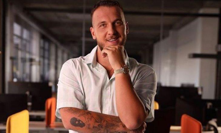 Ky DJ shqiptar refuzon të luajë këngët e Mozzik