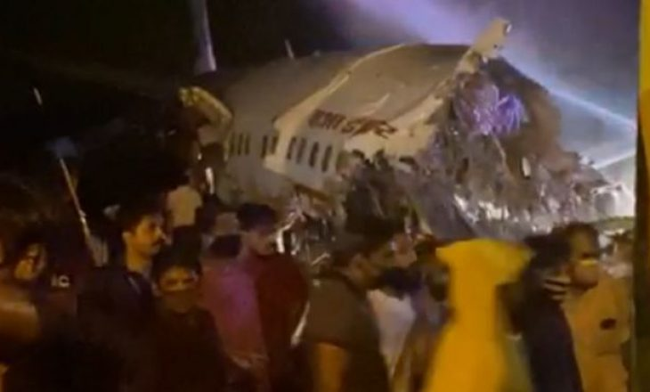 Indi: Ndarja e avionit në dysh – vdes piloti dhe të paktën një pasagjer (VIDEO)