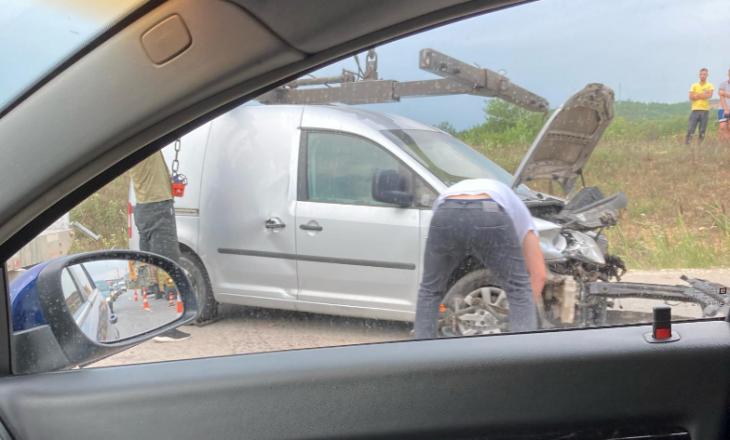 Aksident trafiku në Sllatinë