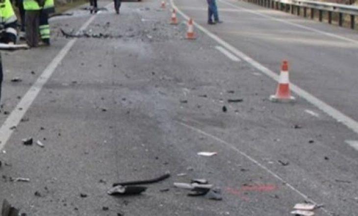 Aksident me të lënduar në magjistralen Prishtinë-Pejë