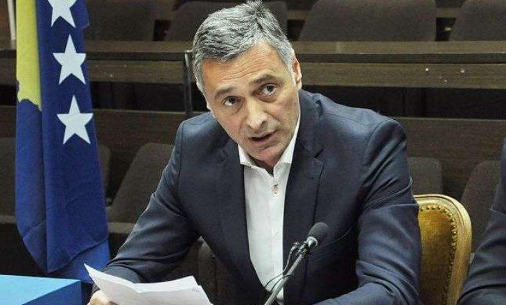 Aleksandër Lumezi ngushëllon familjen e kryeprokurorit Ali Selimaj