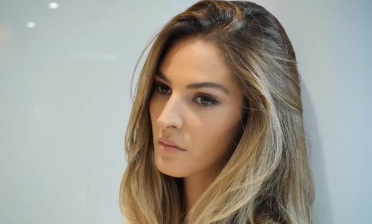 Emina Çunmulaj kthehet në vendlindje për të votuar Listën Shqiptare