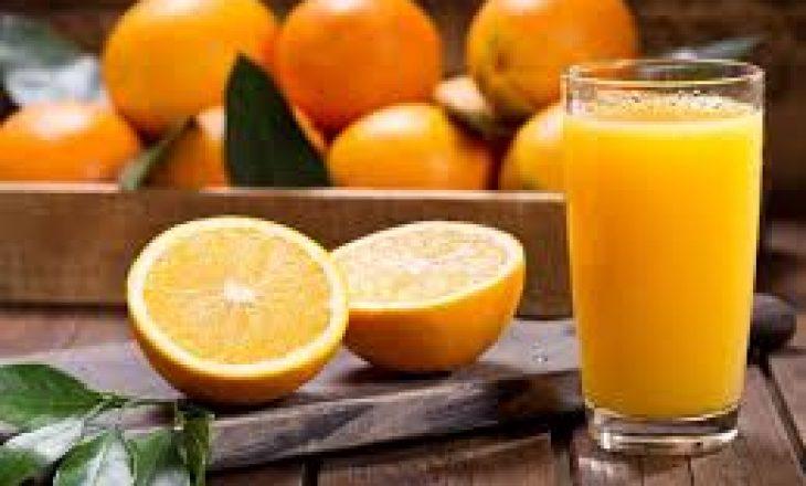 Çfarë ndodhë me trupin tuaj kur pini rregullisht lëng portokalli?