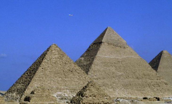 Egjipti, Elon Musk-ut: Eja shihe vetë, piramidat i ndërtuam ne