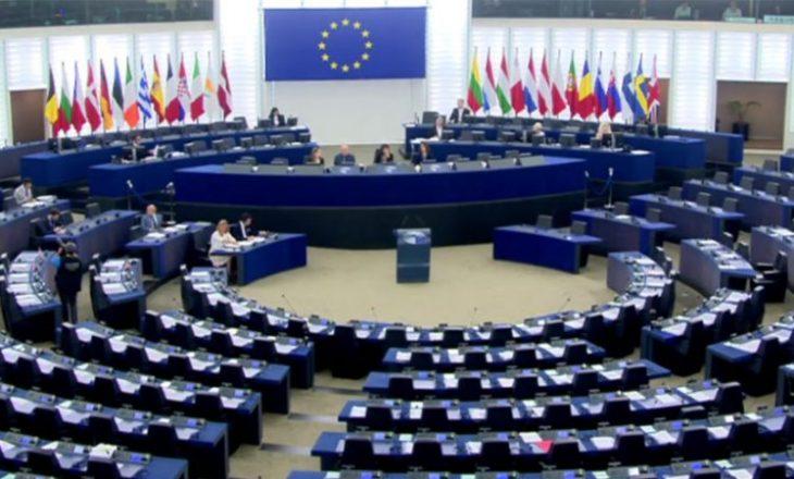 Parlamenti Evropian nuk e njeh Lukashenkon për president të Bjellorusisë