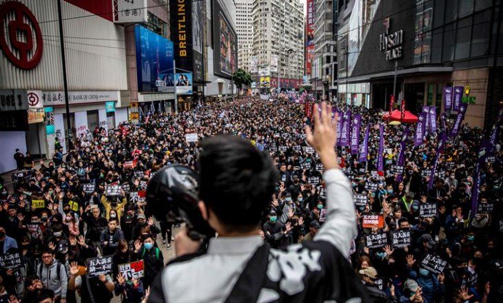 Vazhdojnë arrestimet e njerëzve me influencë në Hong Kong