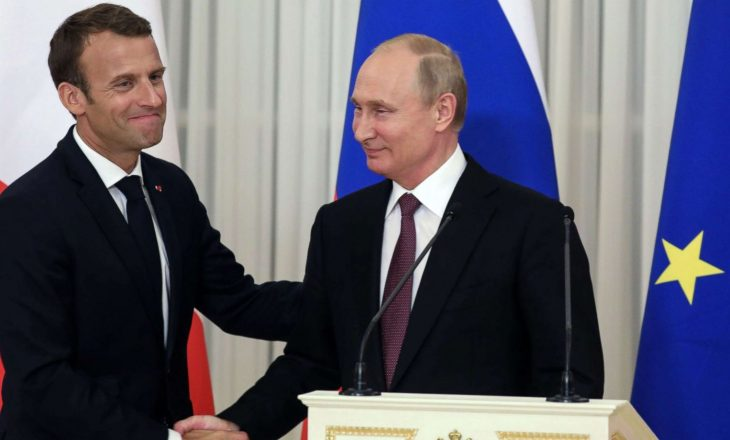 Putin në bisedë me Macronin: Presioni ndaj pushtetit të Bjellorusisë i papranueshëm