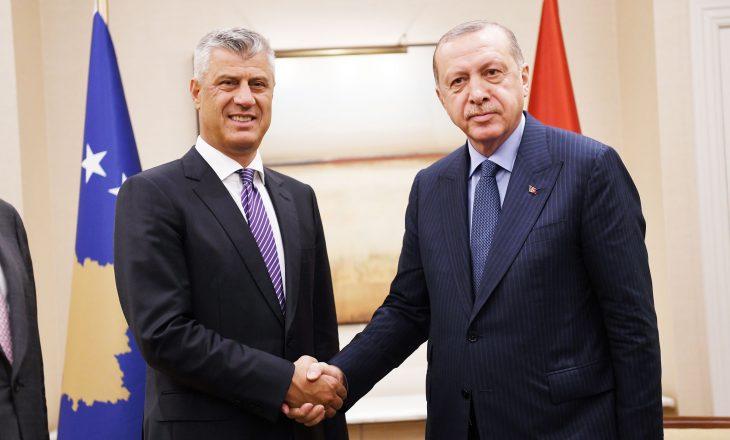 Thaçi urohet nga Erdogan