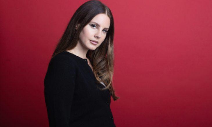 Lana Del Rey ndau një copëz të veprës së saj më të fundit