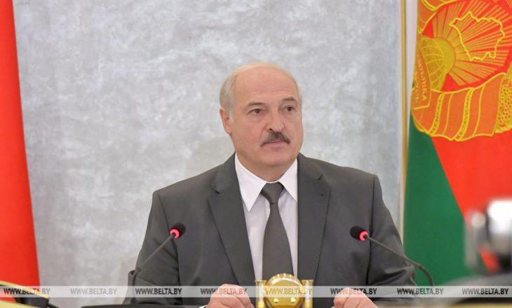 """Lukashenko urdhëron policinë t'i ndalojë protestat, thotë se """"trazirat"""" po financohen nga jashtë"""