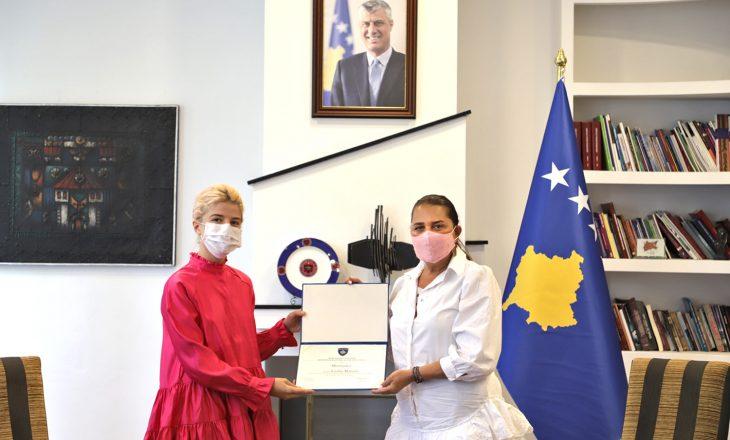 Vlora Dumoshi ndanë mirënjohje për stilisten shumë të suksesshme kosovare
