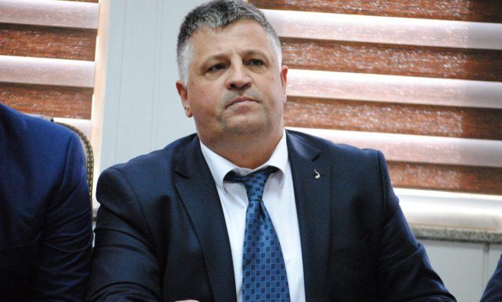 """Nga Vetëvendosje e pyesin Haradinajn se ku ishte kur Vuçiqi """"ndali"""" punimet Deçan-Plavë"""