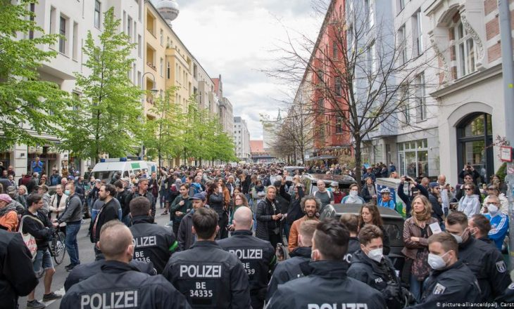 Protesta në Gjermani kundër masave anti-COVID