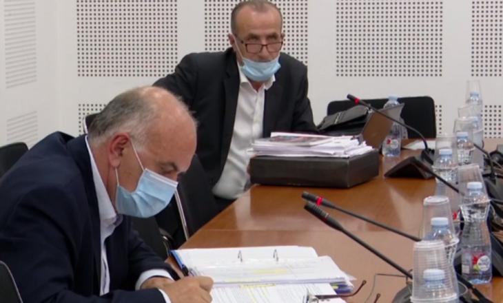 Përplasje mes Naser Ramadanit e Bekim Haxhiut, shkaku numri i vogël i testimeve për COVID-19