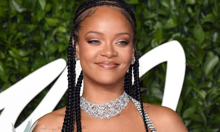 Rihanna i lë një koment tallës sozisë së saj që i përngjanë tmerrësisht shumë