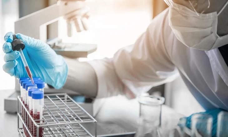 AAK kërkon që t'i revokohet licenca laboratorit që u mori qytetarëve 200 euro për testime për COVID-19