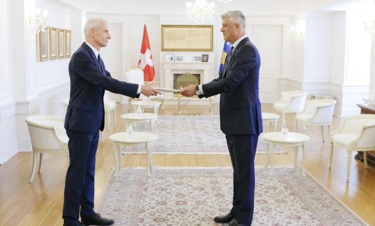 Presidenti Thaçi pranoi letrat kredenciale nga ambasadori i ri i Zvicrës