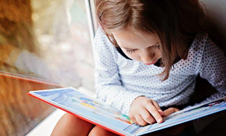 Prindërit ndajnë disa truqe gjeniale që t'i shtyni fëmijët tuaj të lexojnë
